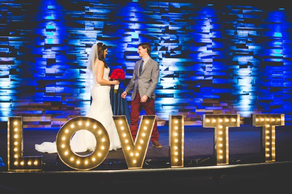 Real Weddeo Weddings: Amanda + Michael's Modern Rustic Michigan Wedding